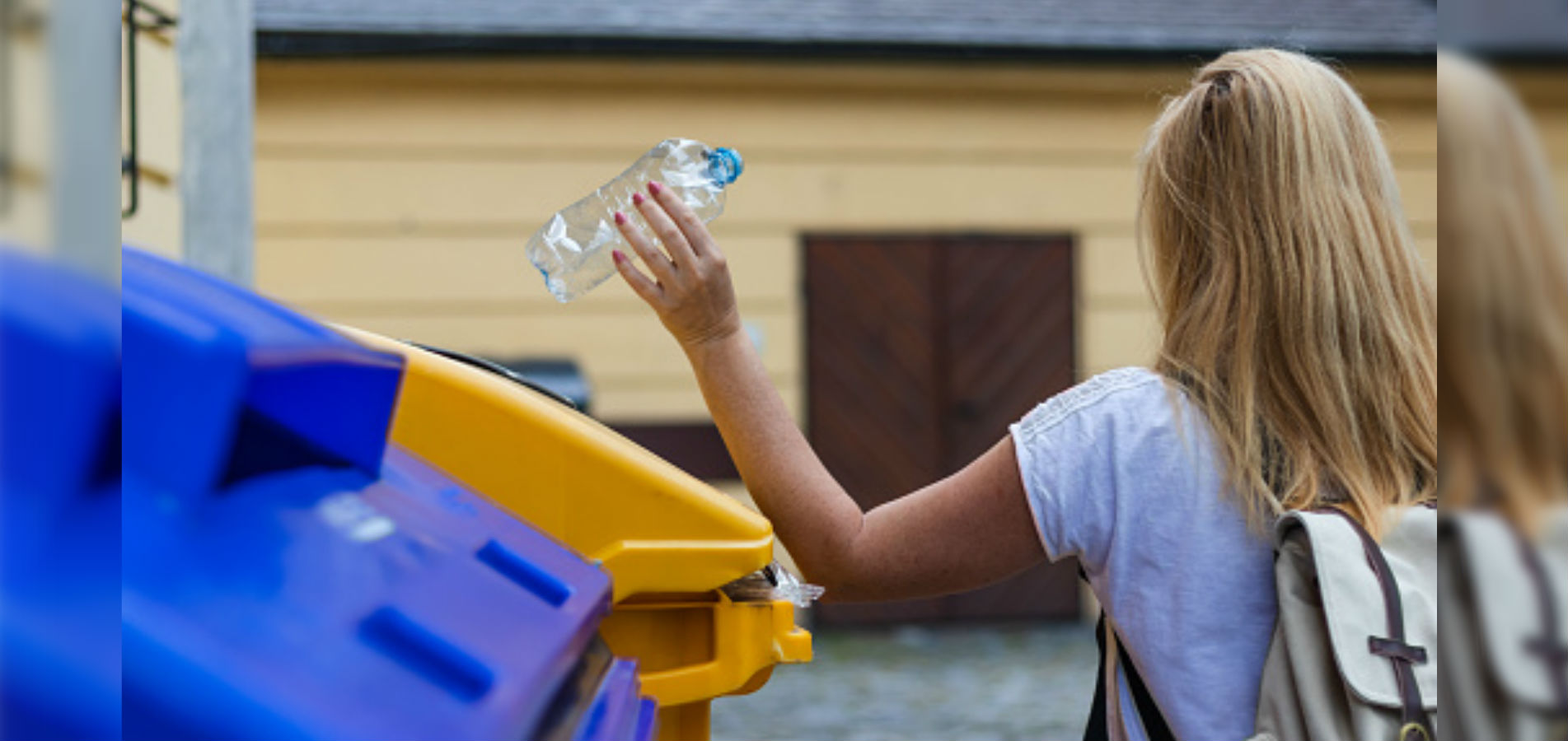 Contenedores de basura para exteriores.