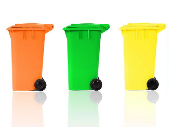 Contenedores y basureros plásticos de CyD