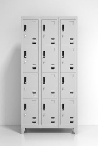 Lockers Metálicos: 3 Cuerpos y 12 Puertas